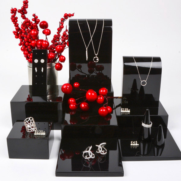 AW19 Jewellery Display (1)
