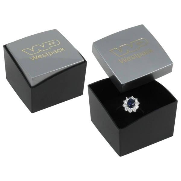 Copenhagen sieradendoosje voor ring Glanzend zilver/ Mat zwart kunststof/ Zwart foam 43 x 43 x 32