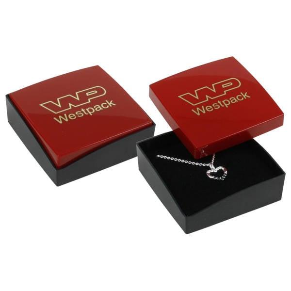 Copenhagen sieradendoosje voor oorbellen/ hanger Glanzend rood/ Mat zwart kunststof/ Zwart foam 60 x 60 x 21
