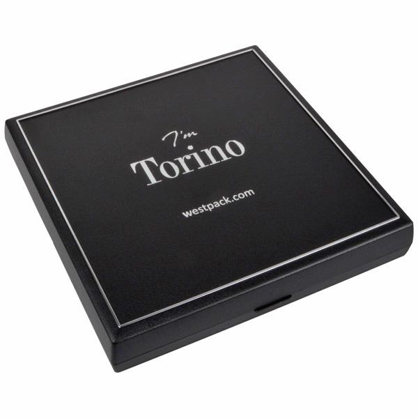 Torino sieradendoosje voor collier / choker Zwart kunststof met zilveren bies/ Zwart foam 160 x 160 x 23