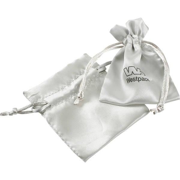 Satijnen sieradenzakje, mini Zilverkleurig satijn met bijpassend trekkoord 75 x 90