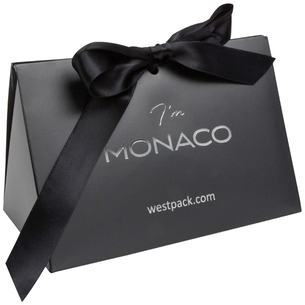 Monaco Boîte cadeau avec poignée satin Carton gris foncé mat/ Poignées en satin noir 160 x 110 x 90