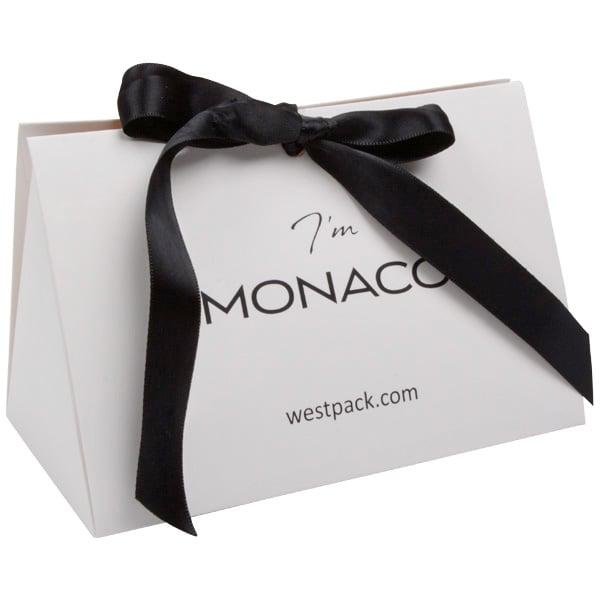 Monaco Boîte cadeau avec poignée satin Carton blanc mat/ Poignées en satin noir 160 x 110 x 90