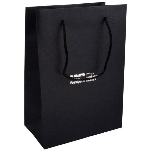 Papieren draagtasje zonder coating, groot Mat zwart kraftpapier met gedraaid hengsel 250 x 180 x 100 150 gsm