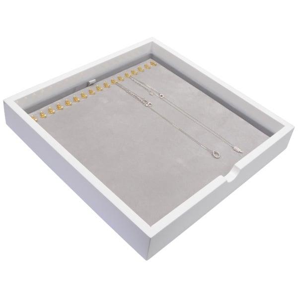 Plateau présentation: 17x collier en crochet Bois blanc lacqué/ Coussins en velours gris clair 241 x 241 x 38