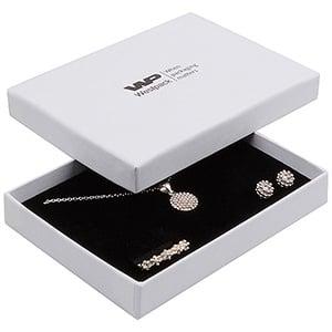 Boston smykkeæske til sæt af ring/øreringe/vedhæng Hvid karton med let struktur/Hvid-sort skumindsats 108 x 80 x 17