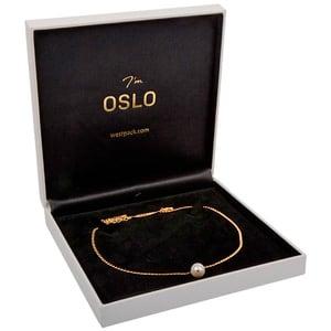 Oslo sieradendoosje voor collier/ choker, klein Wit kunstleer/ Zwart velours interieur 160 x 160 x 35