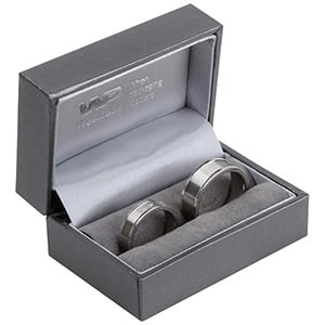 Oslo sieradendoosje voor trouwringen Metallic grijs kunstleer/ Grijs velours interieur 75 x 50 x 35