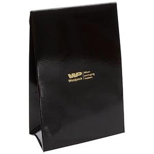 Blank gavepose til smykker, lille Blank sort karton, med hul til bånd 90 x 135 x 45 170 gsm