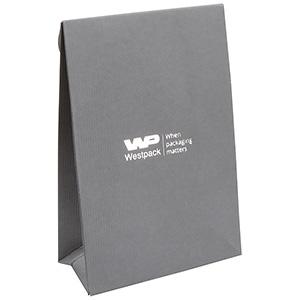 Mat gavepose til smykker, lille Grå rillet karton, med hul til gavebånd 90 x 135 x 45