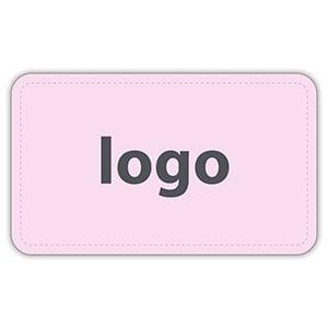 Etiket met logo 005 - Rechthoek, afgeronde hoeken Mat lichtroze etiket met uw logobedrukking 32 x 19