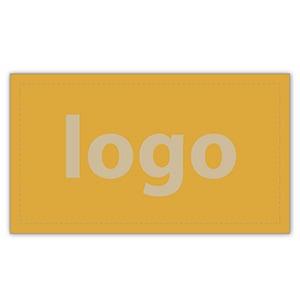 Etiket met logo 018 - Rechthoekig, scherpe hoeken Mat goudkleurig etiket met uw logobedrukking 28 x 16