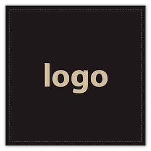 Etiket met logo 020 - Vierkant, scherpe hoeken Mat zwart etiket met uw logobedrukking 33 x 33