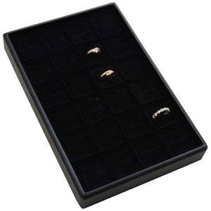 Mała kaseta na 24 pierścionki Czarna wkladka / czarna gabka 156 x 235 x 28 Insert: 31,9x31,9x10