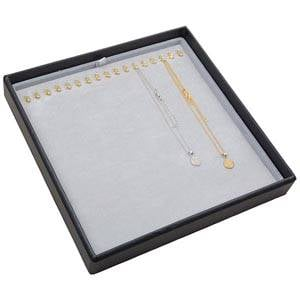 Medium tableau voor 17x ketting, op haakjes Lichtgrijze Partitie / Lichtgrijze Velours Insert 235 x 235 x 32 Insert: 216x216x6 mm