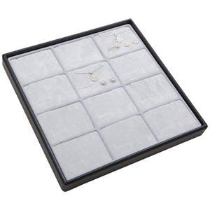 Moyen plateau présentation: 12x parures 3 pièces Plateau gris / Intérieur mousse gris clair 235 x 235 x 28 Insert: 70x51,9x10