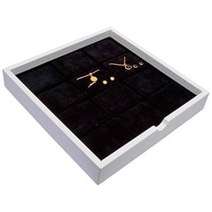 Plateau présentation: 12x parures 3 pièces Bois blanc lacqué/ Coussins en mousse noire 241 x 241 x 38