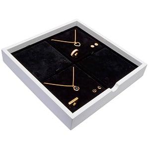 Tableau voor 4x sieradenset Wit hoogglans hout/ Zwarte velours cartouches 241 x 241 x 38