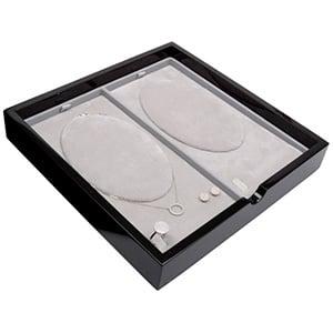 Plateau présentation: 2x Collier Bois noir lacqué/ Coussins en velours gris clair 241 x 241 x 38