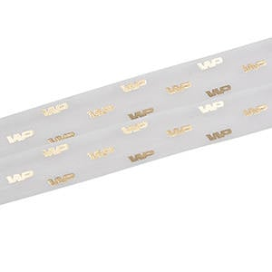 Organzalint met verheven logobedrukking Wit  25 mm x 45,7 m