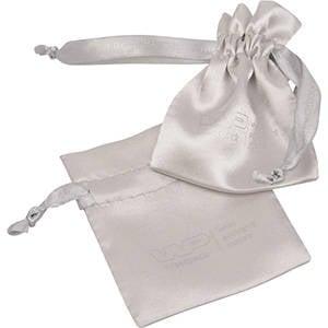 Satijnzakje met logo op lint en zakje, mini Zilver satijn 75 x 90