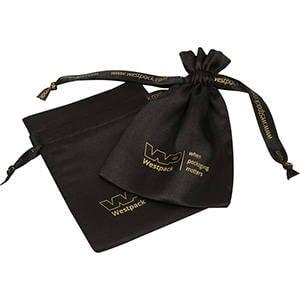 Bourse Satin, impression sur bourse & ruban, M Satin noir 110 x 155