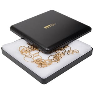 Grootverpakking -  Seville doosje voor collier Zwart plastic / Witte watten 160 x 160 x 27